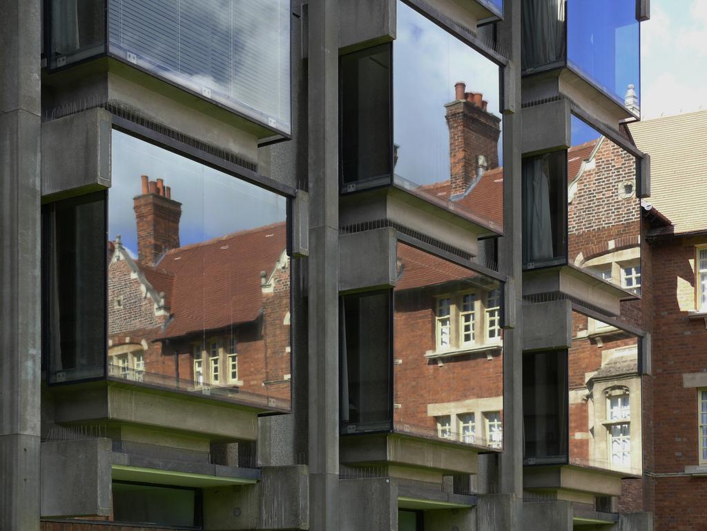 Wolfson windows