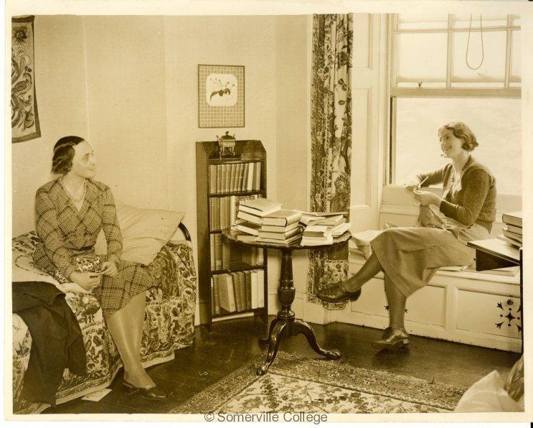 students-knitting-1932